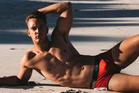 Alexander-COBB-CSA-Models-Australia-04